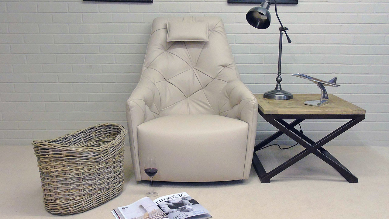 777 Swivel Chair - Front View