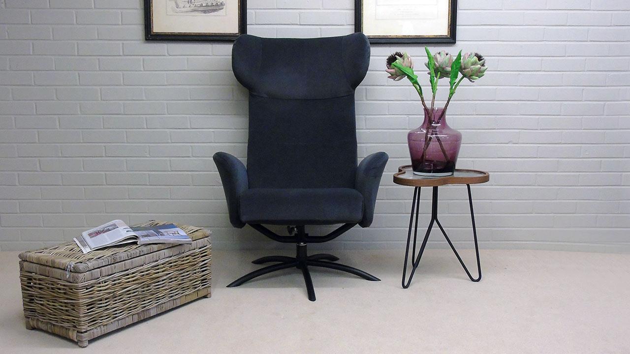 Arai Recliner Chair - Front View