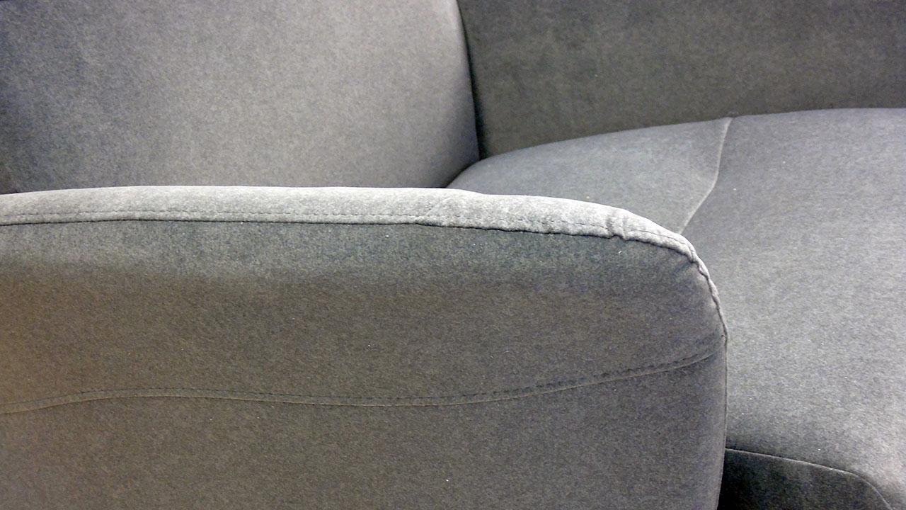 Arai Recliner Chair - Detail View