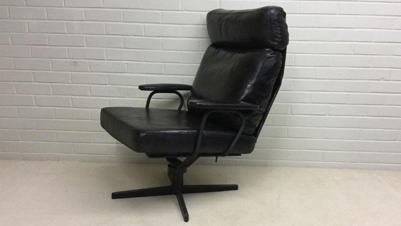 Eddy Swivel Chair - Angled View