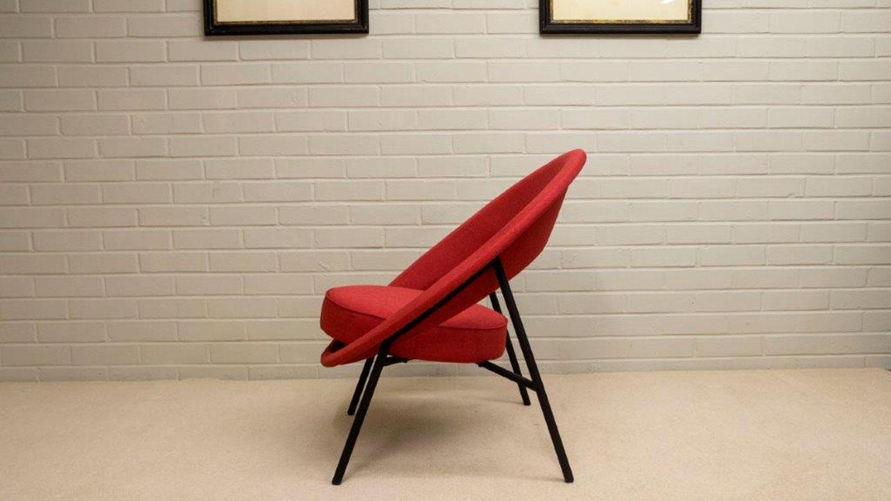 Saturn Modern Chair - Side View