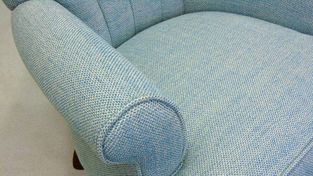 Sophie Button Back Chair - Detail View
