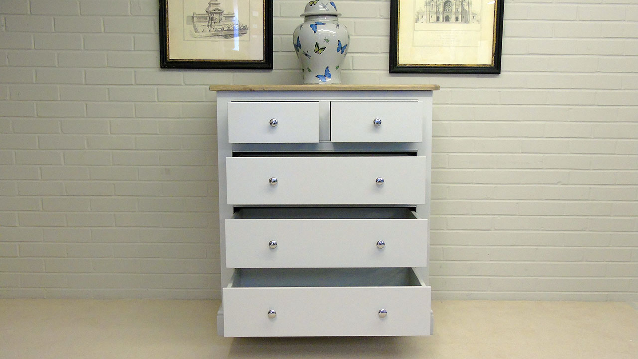 Cavendish Chest of Drawers - Front View - Drawers Open