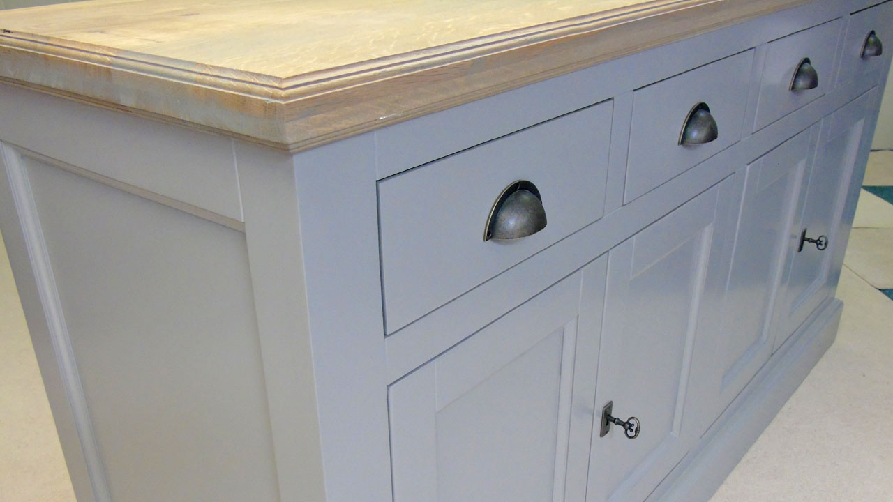 Richmond Low Painted Sideboard - Detail View