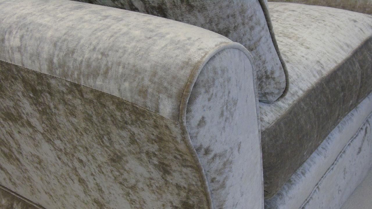 Arrabella Sofa - Velvet - Detail View