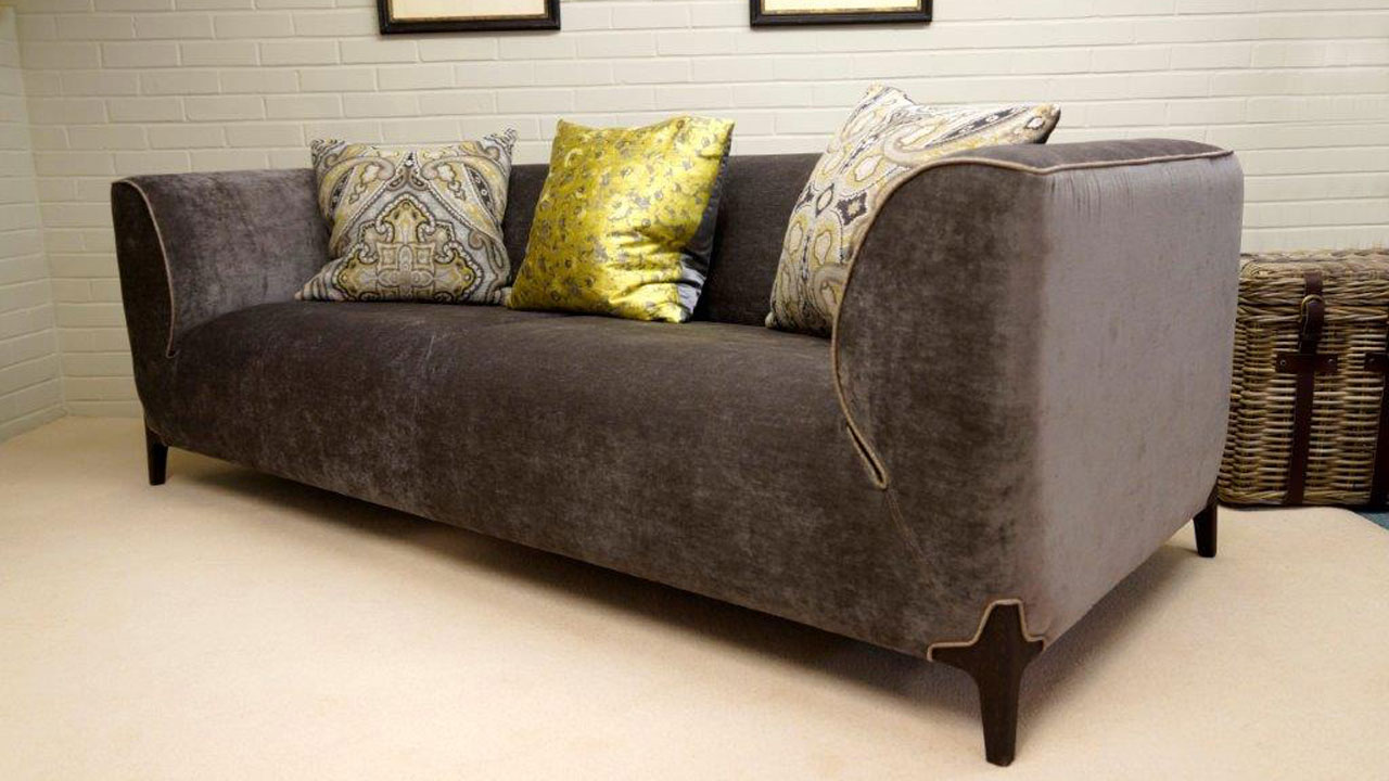 Burov Montaigne Sofa - Angled View