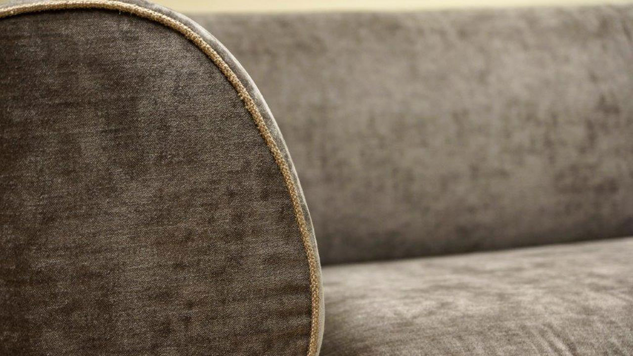 Burov Montaigne Sofa - Detail View