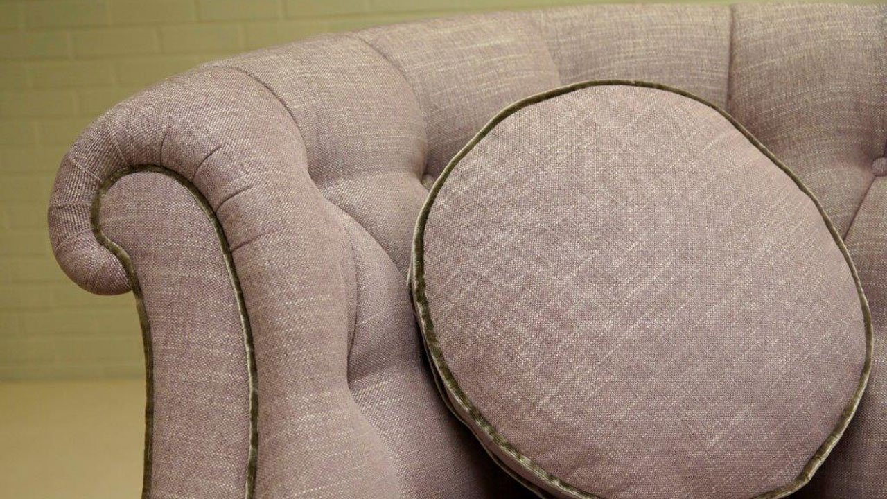 Evelyn Sofa - Detail View