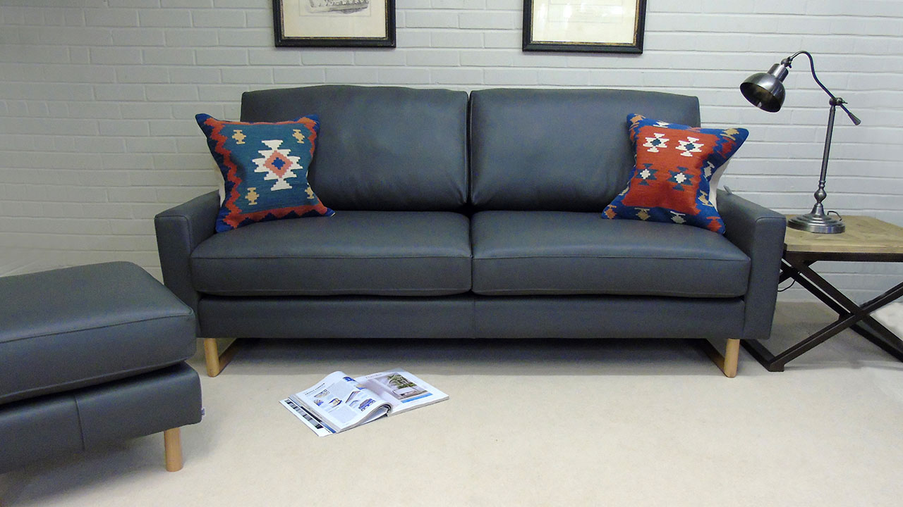 Zow Sofa - Front View - Leather