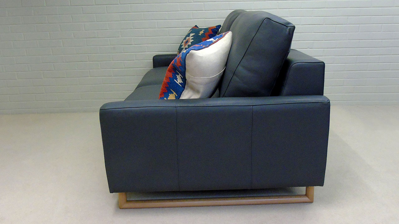 Zow Sofa - Side View - Leather