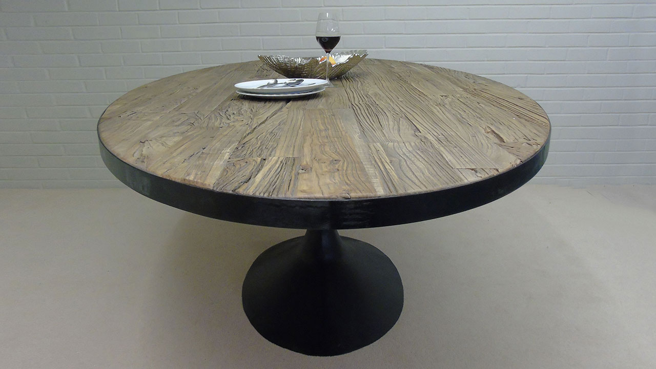 Everton Dining Table - Side View