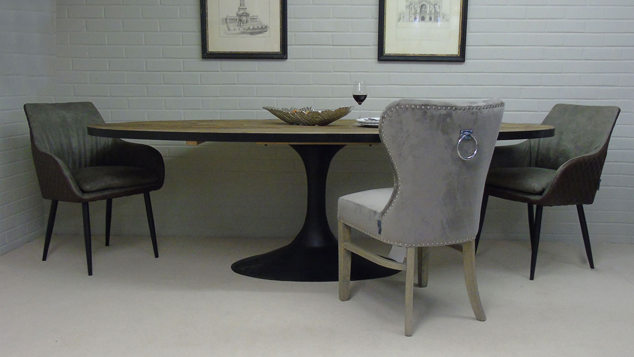 Everton Dining Table - Front View with Chairs